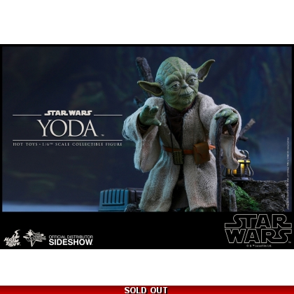 Hot Toys Star Wars: Episode V Empire Strikes Back - 1/6th scale Yoda Collectible Figure