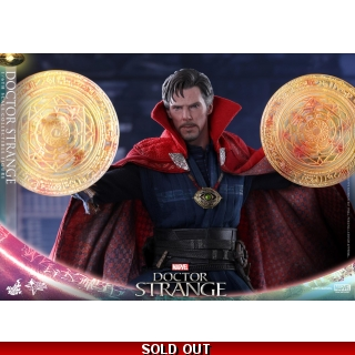 Hot Toys Doctor Strange - 1/6th scale ..