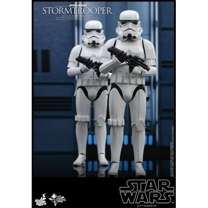 Hot Toys Star Wars - 1/6th scale Stormtrooper Collectible Figure Deluxe Version