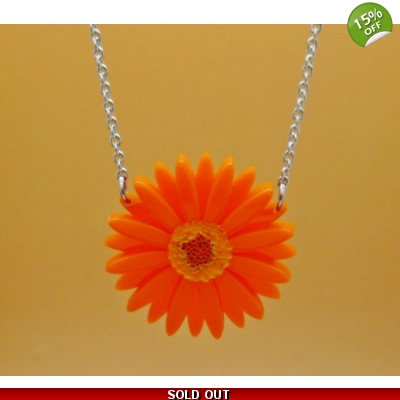 Deluxe Orange Gerbera Necklace title=