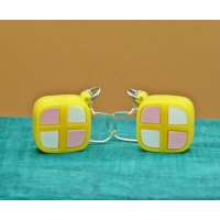 Deluxe Mini Battenburg Cake Slice..