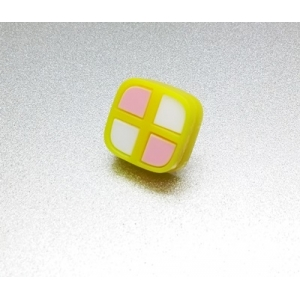 Deluxe Mini Battenburg Cake Slice Pin Badge