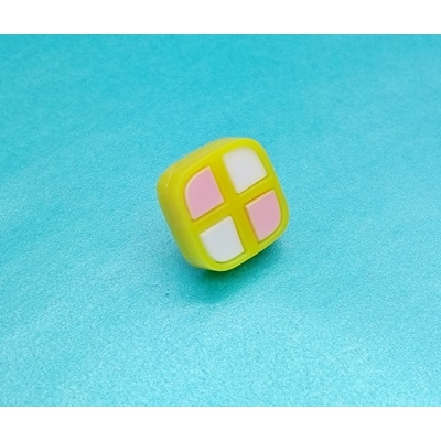Deluxe Mini Battenburg Cake Slice Pin Badge title=