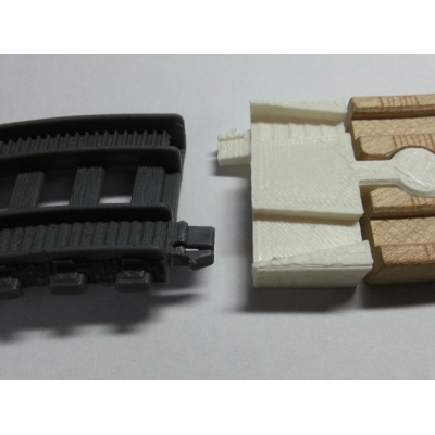 New motorized Trackmaster Adapter Plastic to wood Thomas battery track MF set x2