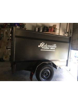 7x5x5 Enclosed Trailer
