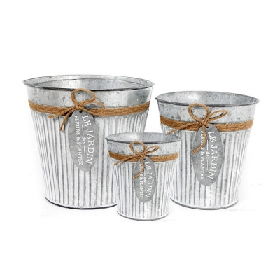 Set of 3 'Le Jardin' Garden Planters title=