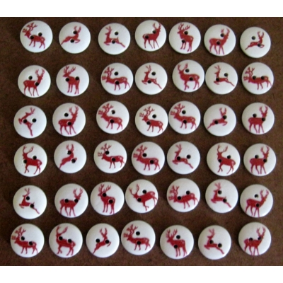 "20 PCS  OF 1/2"" WOODEN REINDEER BUTTONS"