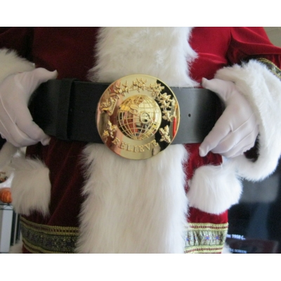 "SANTA AROUND THE WORLD 5 1/2"" BELT BUCKLE AND 5 MATCHING 1 1/8"" BUTTONS."
