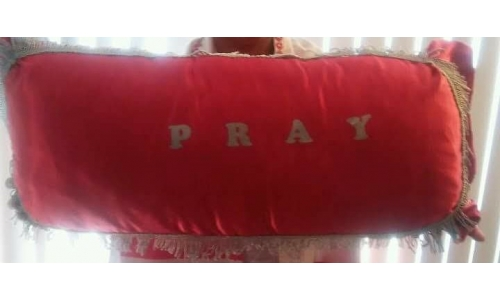 Red Kneeling Prayer Pillow with Gold Fringes