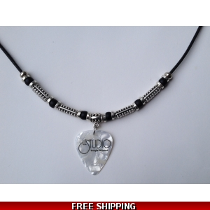 Le Studio Deluxe Necklace Pearl Pick Black Logo