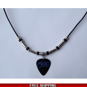 Le Studio Deluxe Necklace Black Pick W&B Logo