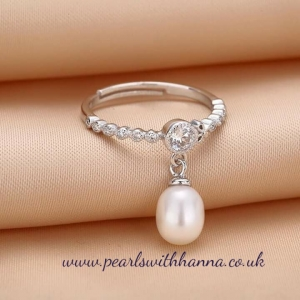 *NEW* Drop Pearl Ring