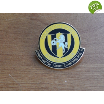 2016 club Pin Badge