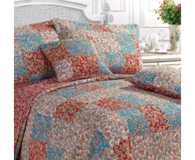 Red Paisley Patchwork Double Quilt Incl 2 Shams