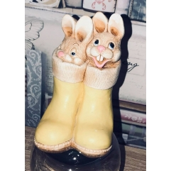 Latex mould for cute bunnies in boots
