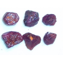 Ox Blood Ruby Rough 15 cts 8..
