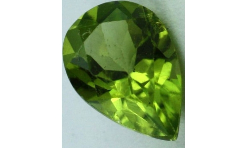 Peridot loose faceted 1 ct 7x5x4 MM  1458C