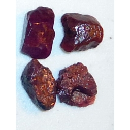 Ox Blood Ruby Rough 25 cts 1..