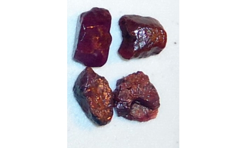 Ox Blood Ruby Rough 25 cts 10 to 15 MM 1718D