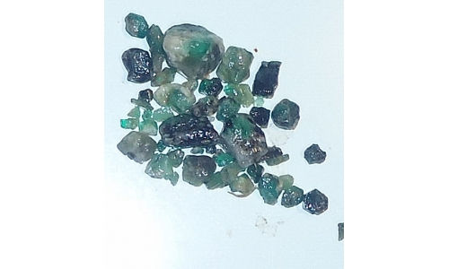 Columbian Emerald Rough 30 cts  4 To 14 MM 1488E