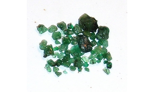 Colombian Emerald Rough Natural 15 cts  3 to 11 MM 412F
