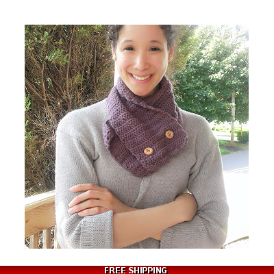 Scalloped Neck Cowl