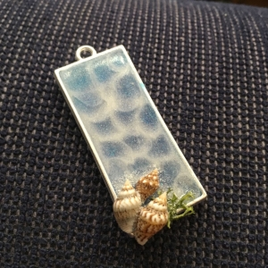 Sea Pendant With Mini S..