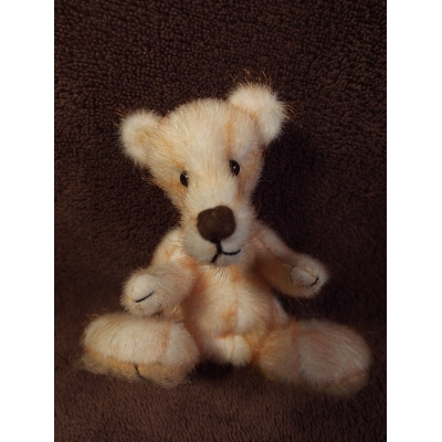 Meet Porridge A Handmade One Of A Kind Artist Bear From Billington Bears