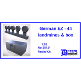 German EZ-44 landmines and box 1/35